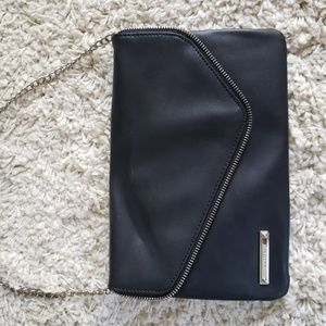 Nine West black clutch with shoulder chain